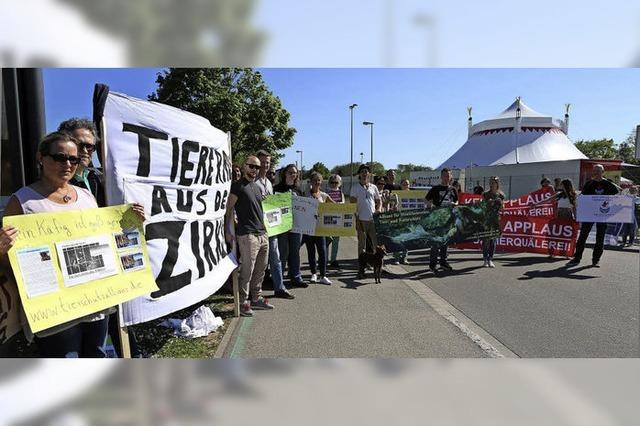 Tierschützer protestieren