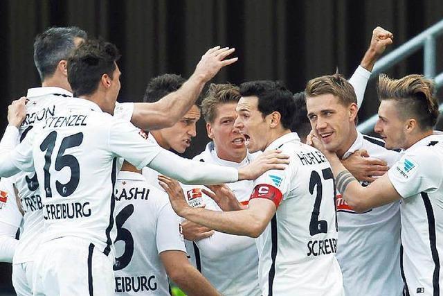 So holt der SC Freiburg die Meistertrophäe