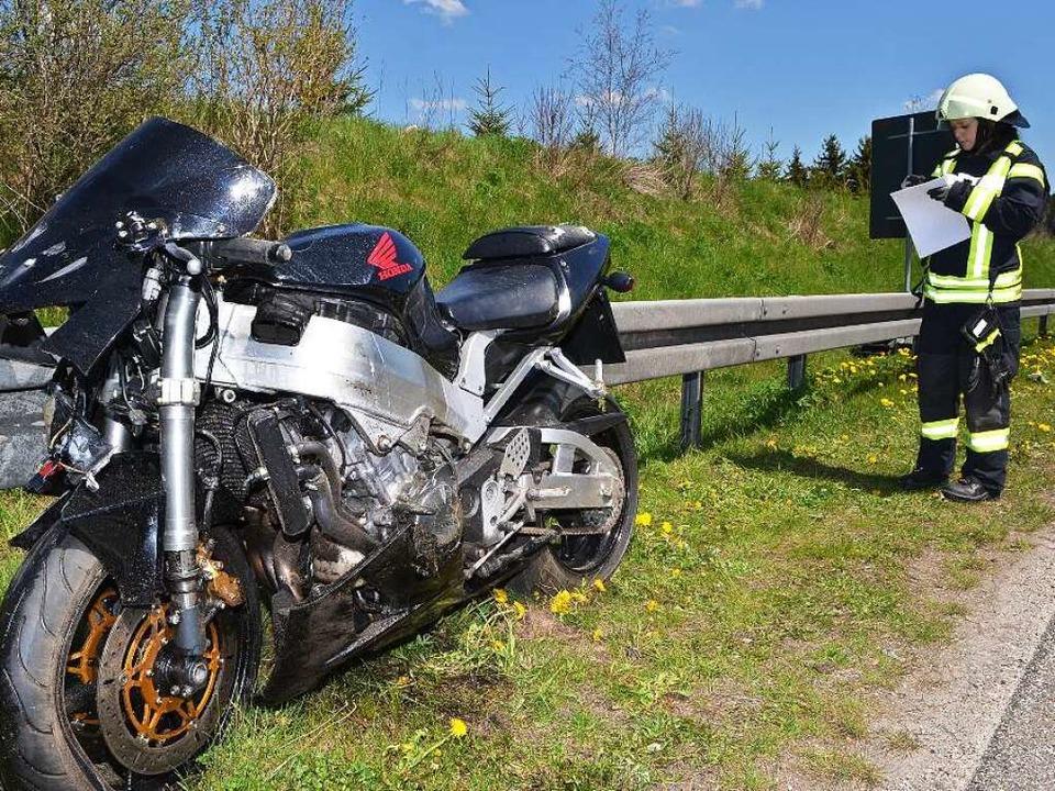 Das Motorrad des Schwerverletzten  | Foto: M.Ganz