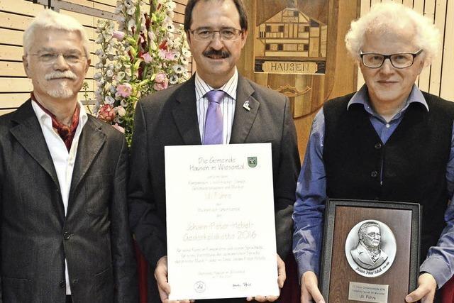 Uli Führe wird mit der Johann-Peter-Hebel-Plakette 2016 ausgezeichnet