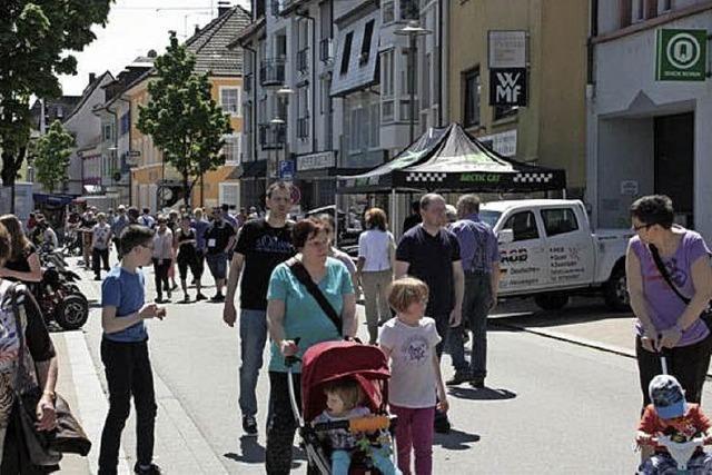 Verkaufsoffenerer Sonntag zieht zahlreiche Bürger an