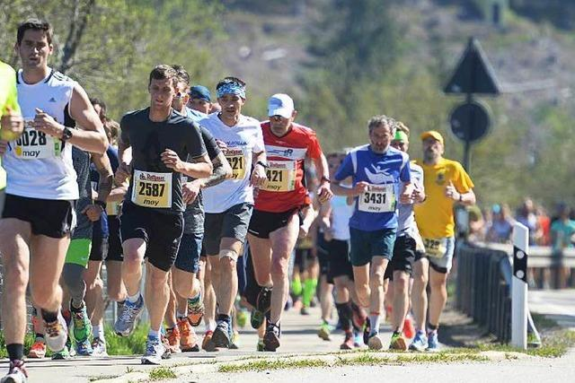 3106 Sportler starten beim heißen Schluchseelauf