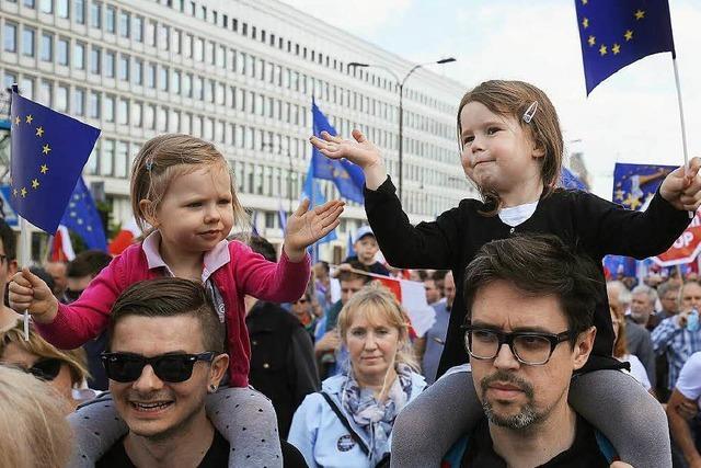 240.000 Polen demonstrieren für Europa