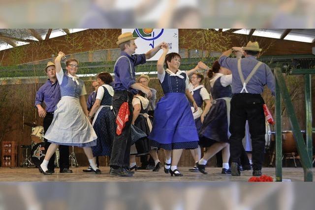 Mit dem alten Lanz zum lustigen Finschtermiehli-Tanz