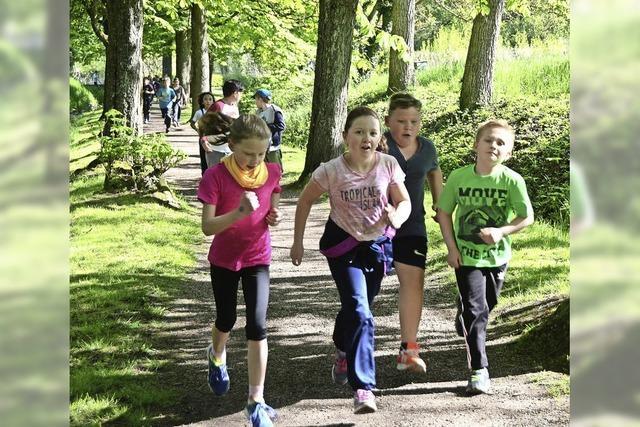 Grundschüler laufen für Ginkgo-Tour