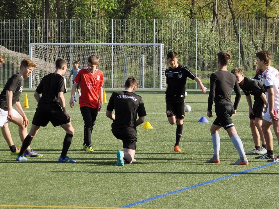 In Sportvereinen gelingt die Integrati...ld zeigt das Training des SV Breisach.  | Foto: Kai Kricheldorff