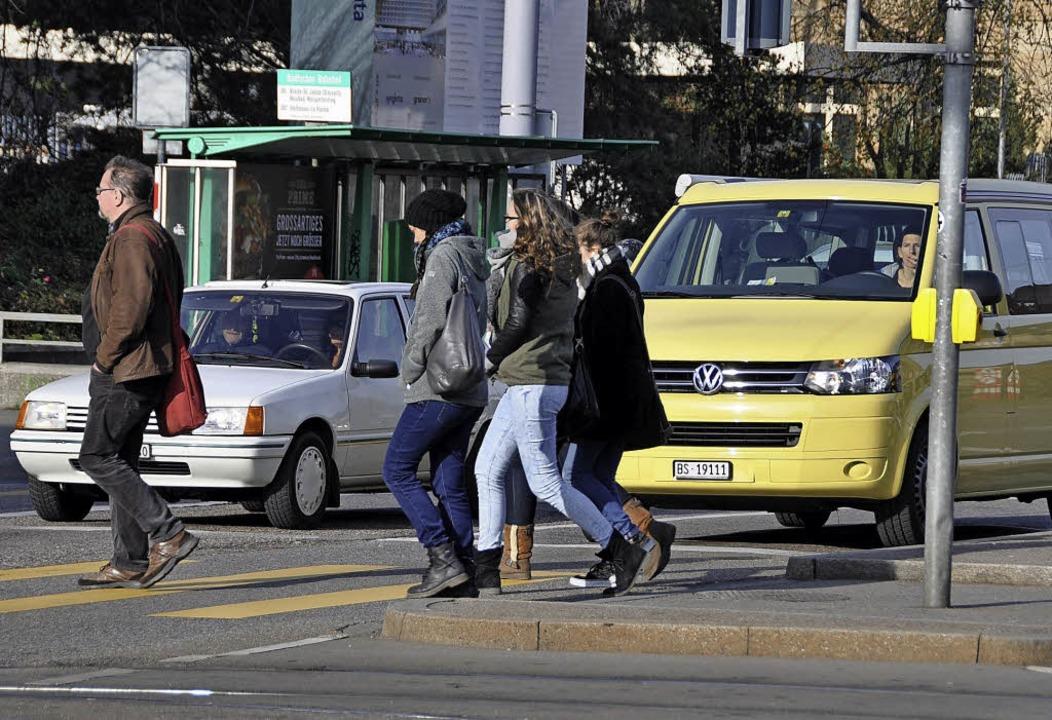 Der Autoverkehr auf Basels Straßen  ist leicht rückläufig.   | Foto: Gramespacher
