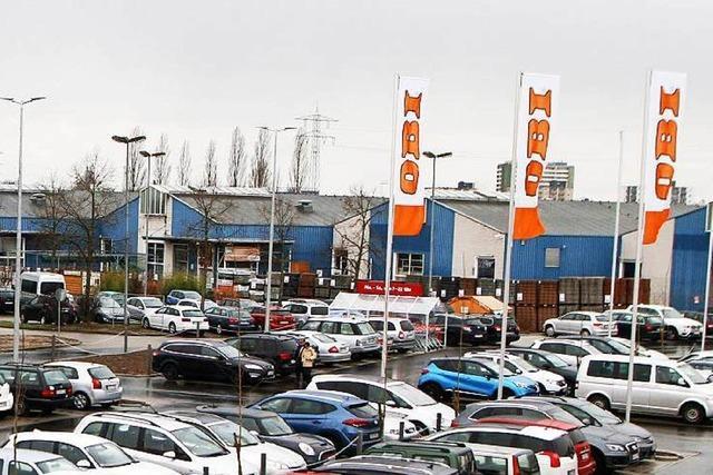 Parkplatzchaos beim Fachmarktzentrum in Lahr