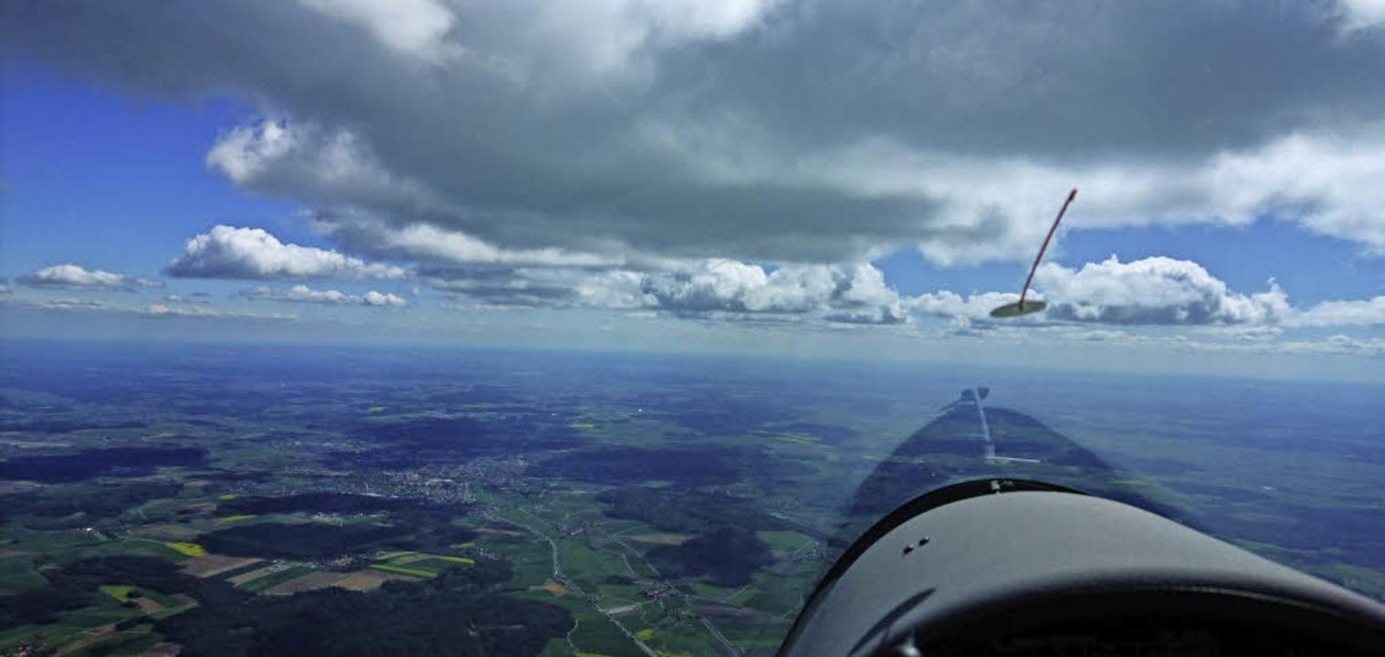 "Blick aus dem Cockpit, entlang an der ""Wolkenstraße""  | Foto: Philipp Butz"