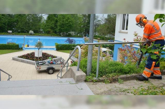 Freibad braucht neue Schwimmbecken