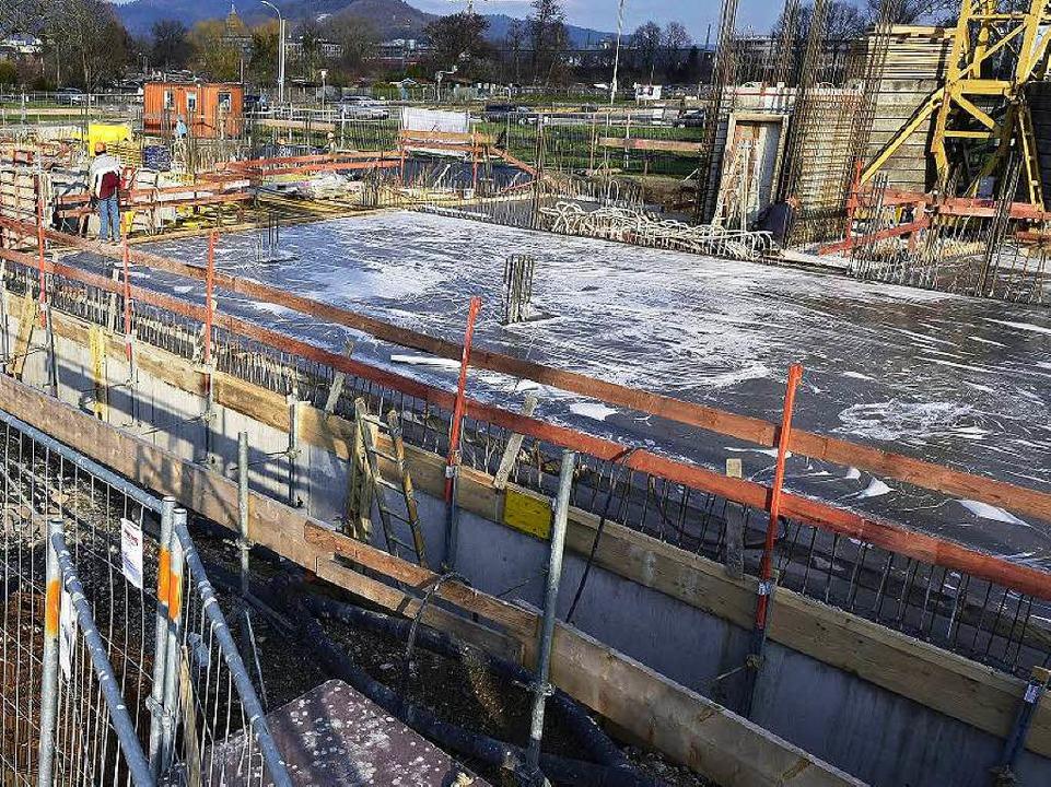 Wenigstens geht's auf der Baustelle voran (Aufnahme vom März).  | Foto: Thomas Kunz