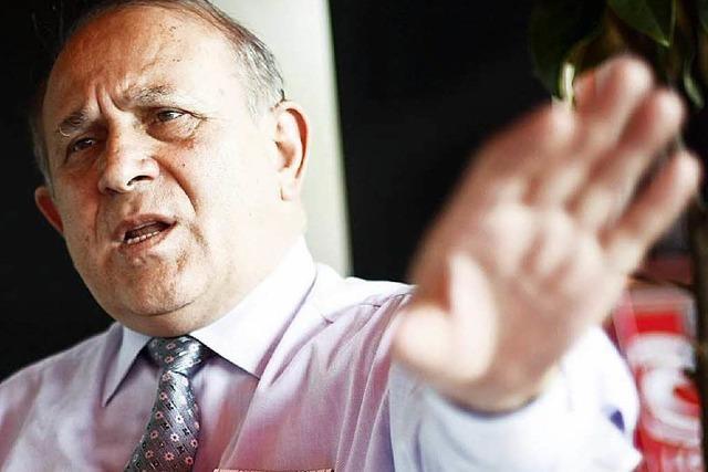 Erdogan-Berater Burhan Kuzu droht der EU