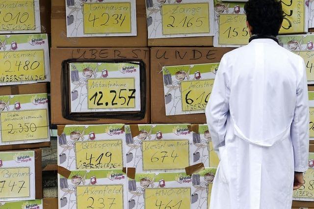 Pfleger protestieren gegen Überstunden