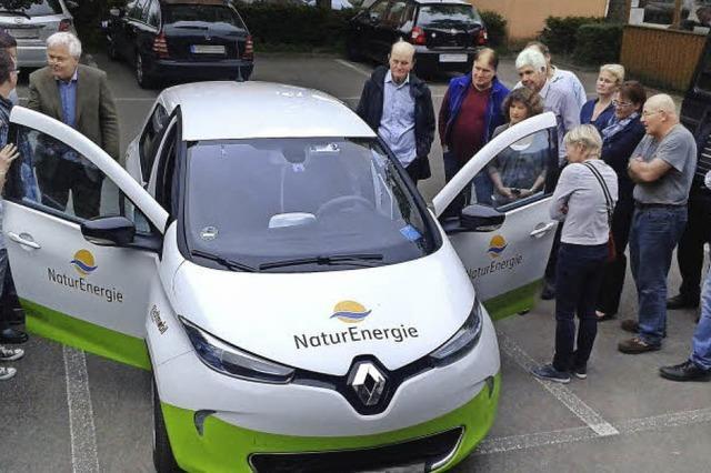 Ebneter Ortschaftsrat informiert sich über Carsharing mit Elektroautos