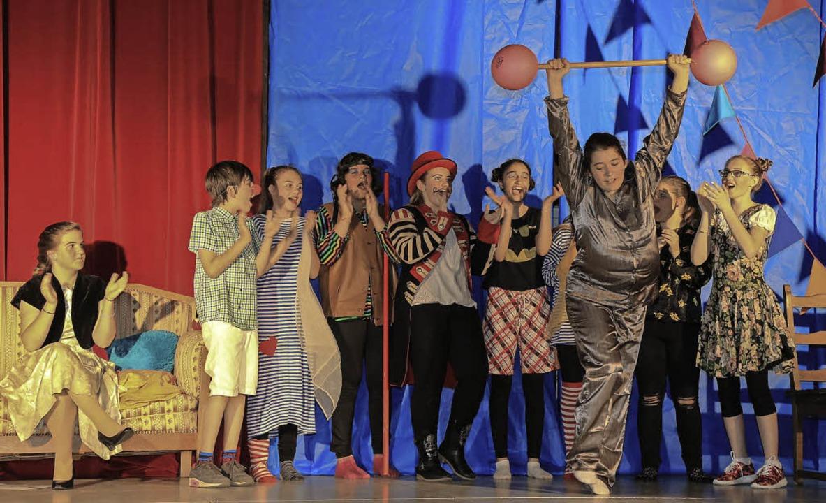 Eine Zirkusvorstellung für den gelangweilten König   | Foto: Sandra Decoux-Kone