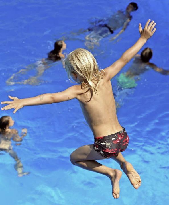 Spaß im Wasser   | Foto: Symbolbild: dpa