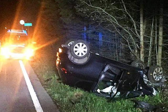 Betrunkener Autofahrer rammt Leitplanke – verletzt