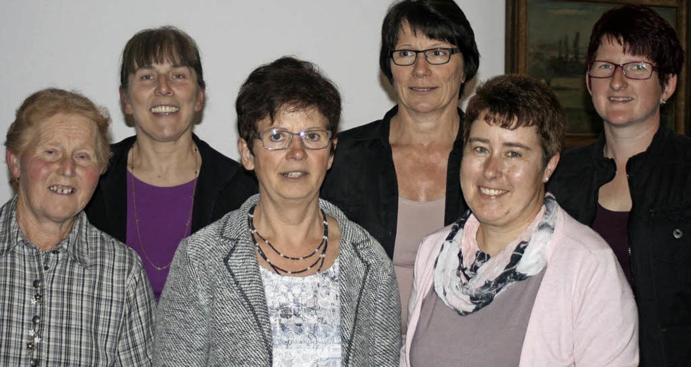 40 Jahre Ortsverein (v.li.): Nahezu ei...lgte Andrea Homberger. Foto: Ines Bode  | Foto: Ines Bode