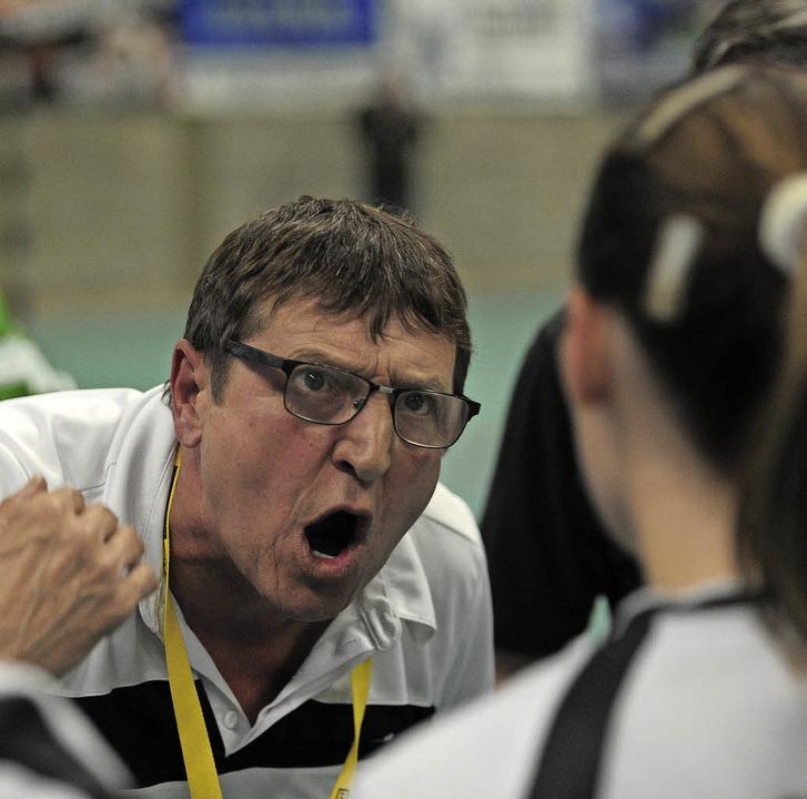 Vergeblich war der stimmliche Einsatz ...tenheimer Trainers Werner Heimburger.     Foto:  Bettina Schaller