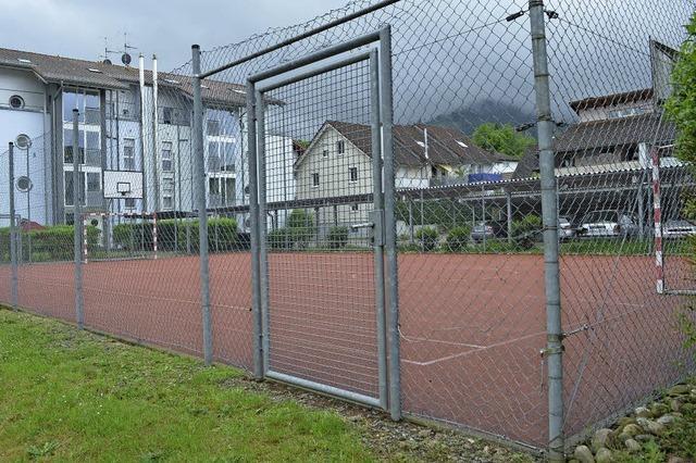 Kleinspielfeld wieder offen