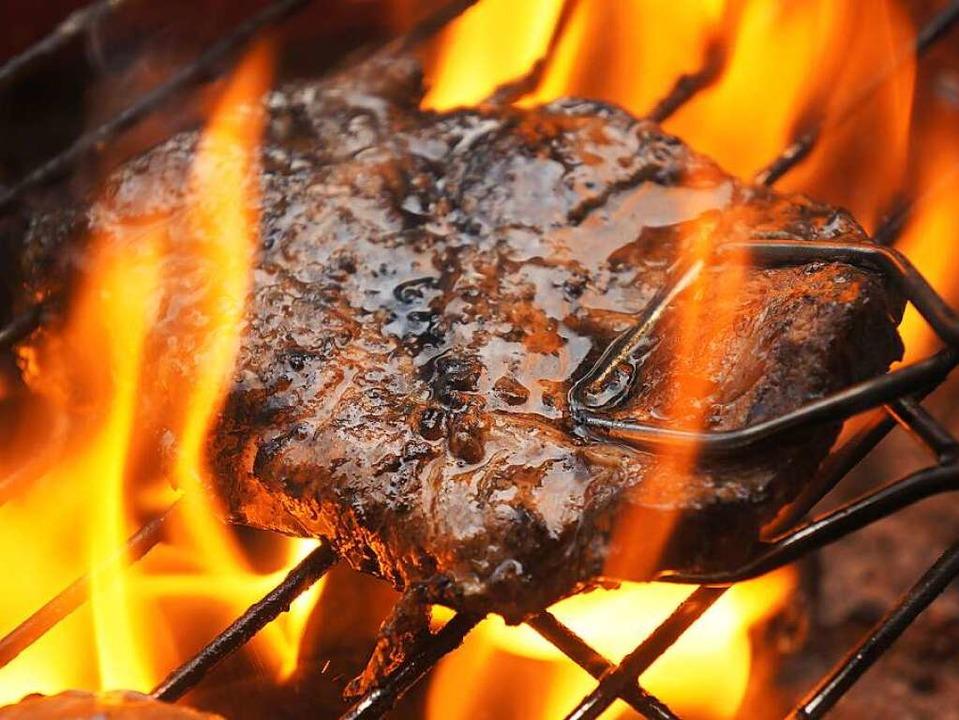 Weber Elektrogrill Fleisch Klebt : 13 todsünden: das sind die no gos beim grillen gastronomie