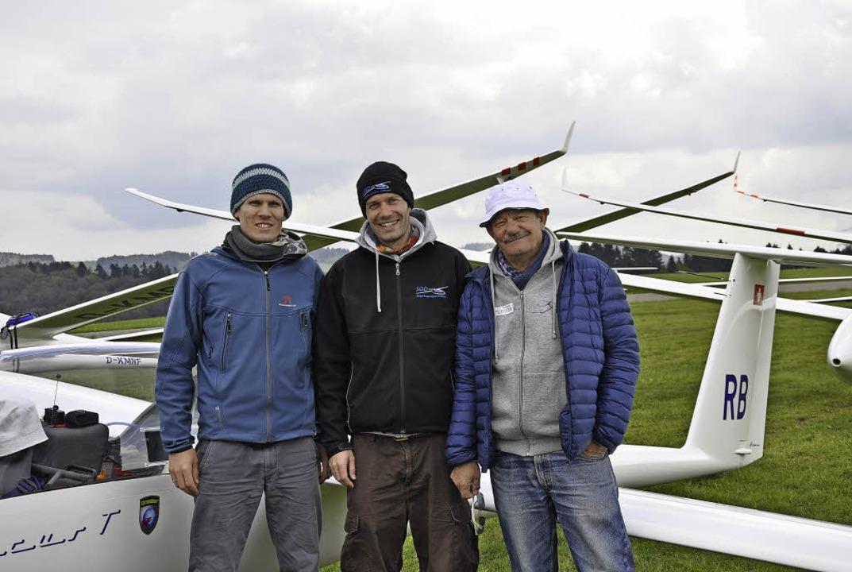 Sportleiter Frieder Göltenbott mit den...ison von der Segelfluggruppe Dittingen  | Foto: Kirsten Lux