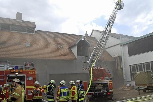 Defekt löst Feuer in Trafoanlage aus