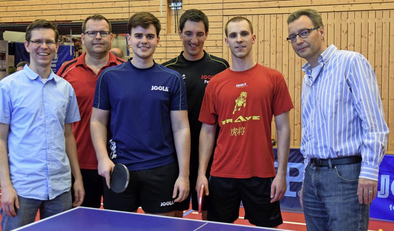 Zusammenhalt zählt: Die Spieler (von l... Hudec, Marko Maric und Patryk Lauth.   | Foto: B. Ehrlich