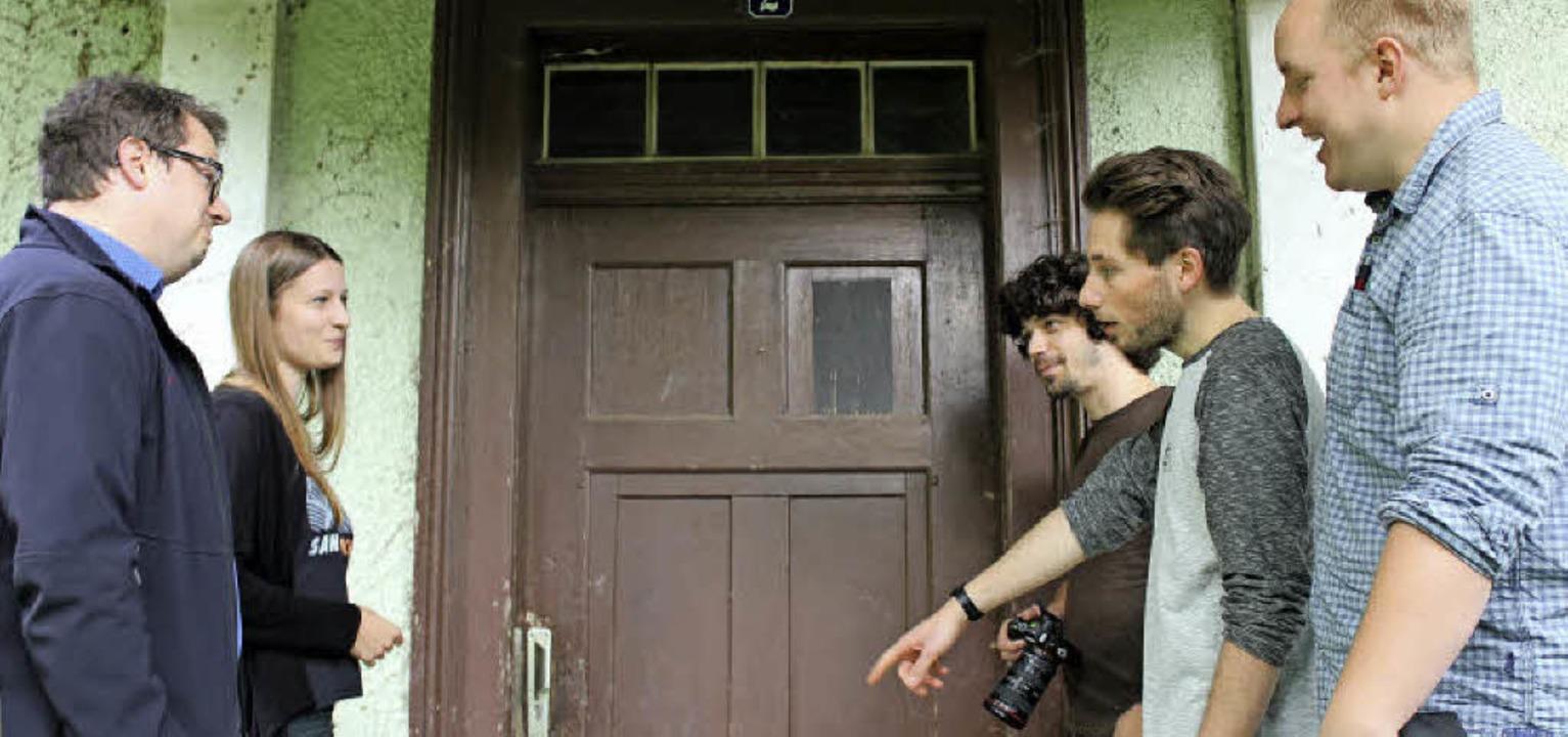 Location-Check für das Spielfilm-Proje...beim alten Schützenhaus am Engenwald.   | Foto: Erich Krieger