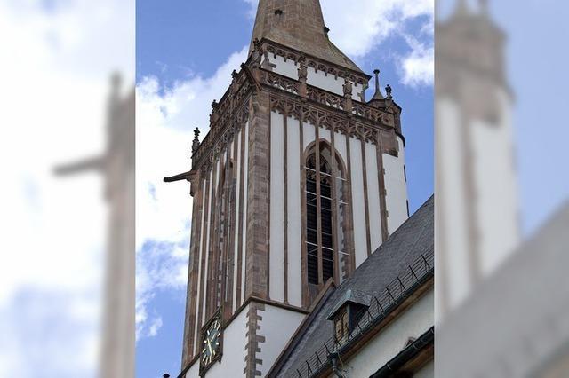 Einblicke in die Kirchenschiffe und Blick vom Turm in Titisee-Neustadt