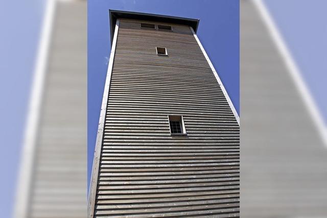 Mit dem Schwarzwaldverein zum sanierten Aussichtsturm in Bernau