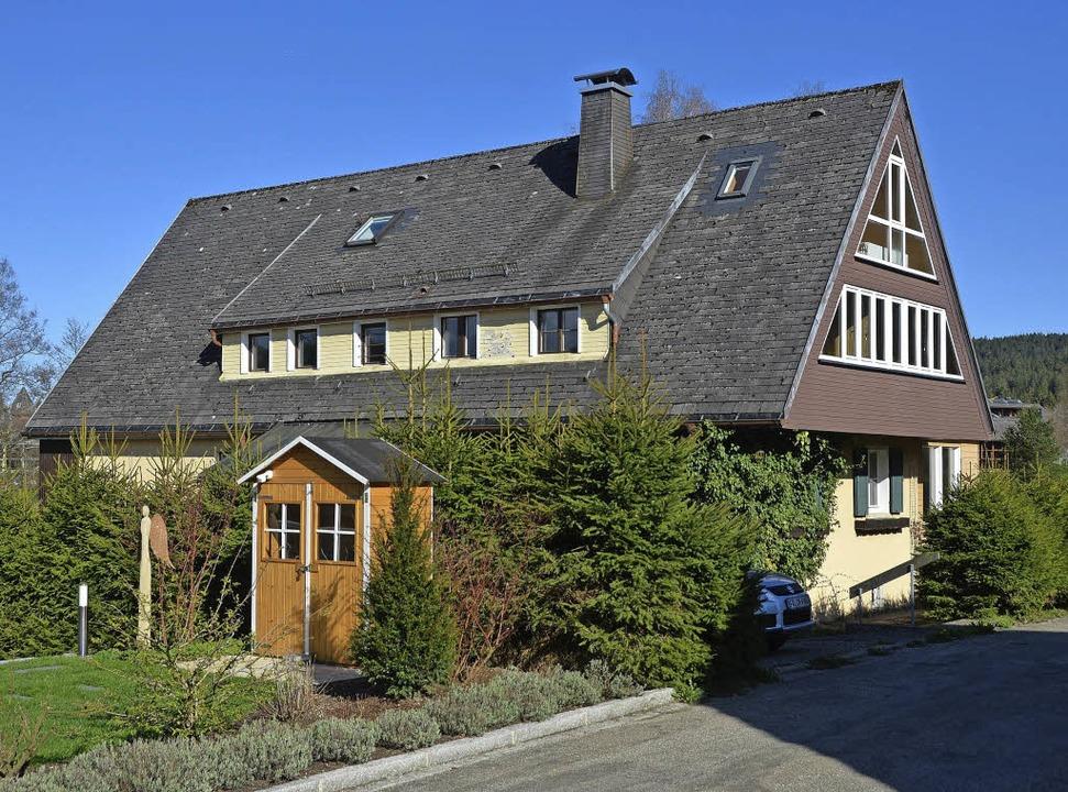 Dieses Haus am Zartenbachweg sollte ab...sgericht hat einen Baustopp verhängt.   | Foto: Martin Wunderle