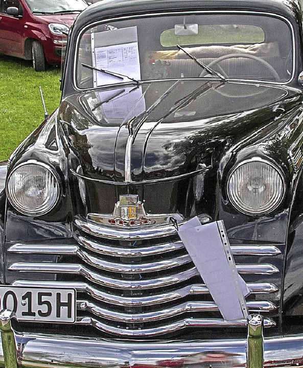 Oldtimer-Prämierung: Alter Opel Olympia, Baujahr 1950.    Foto: Chris Seifried