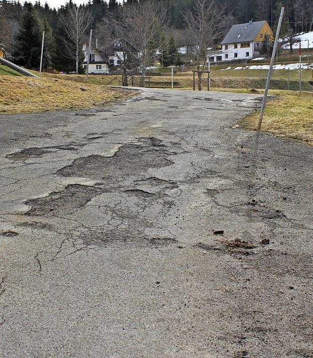 Der Bubenbacher Schulweg hat eine Sanierung nötig.   | Foto: Brichta