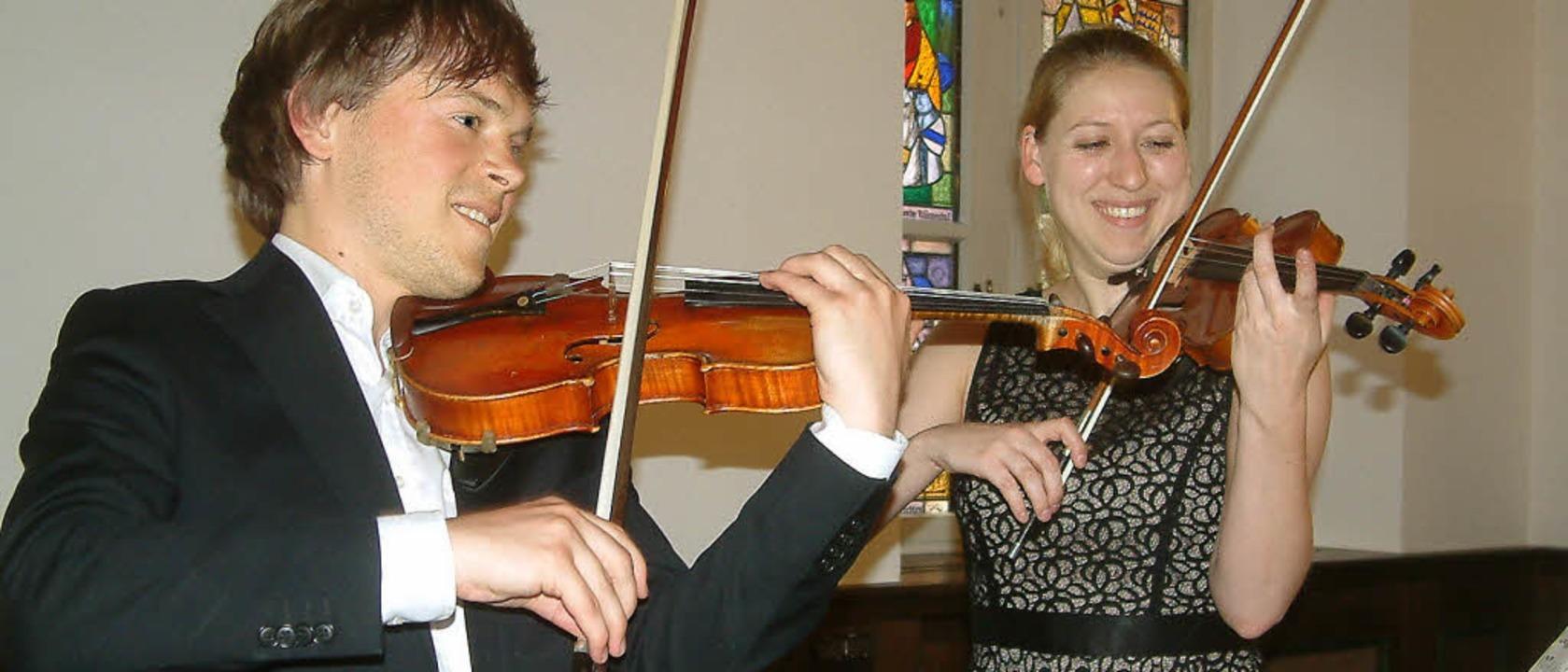 In einer Sonate für zwei Violinen beei...eim Konzert im Alten Schloss in Wehr.   | Foto: Roswitha Frey