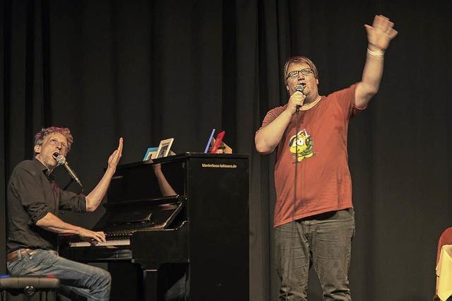 Nerds sind die besseren Männer, auch am Klavier