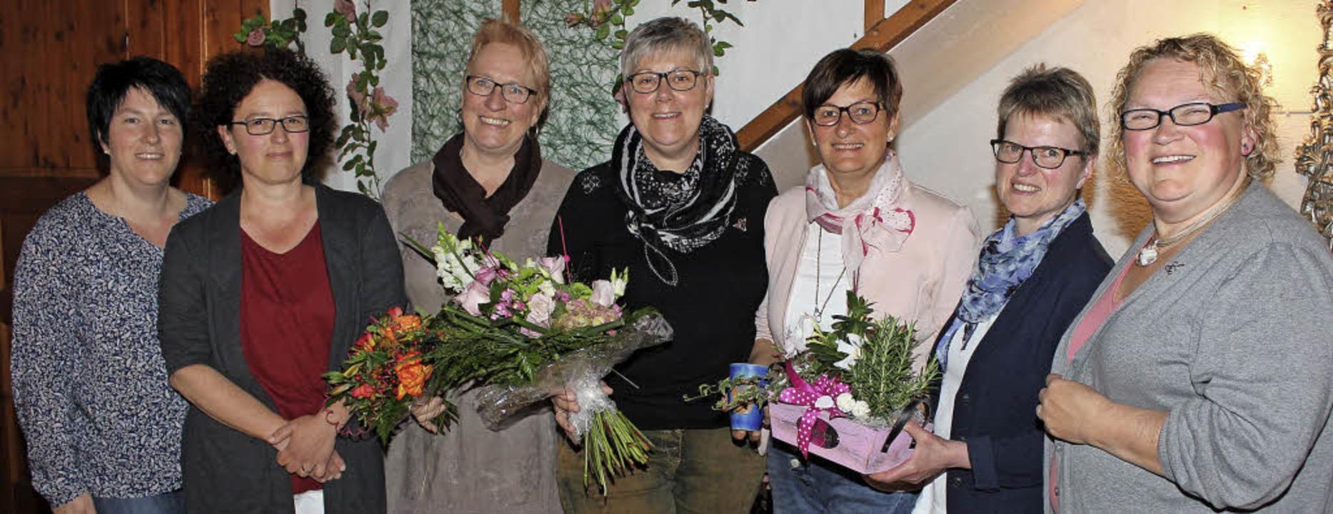 Ilona Schächtele, im Vorstand für Vera...hnurr und  Sabine Wirth (von rechts).   | Foto: Mario Schöneberg