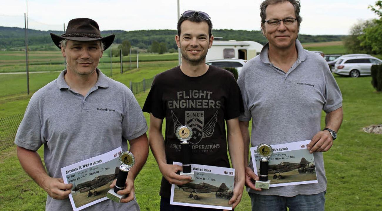 "Beim Wettbewerb ""Aircombat&#8220...rer, Stefan Kuner und Peter Hindelang.  | Foto: Antje Gessner"