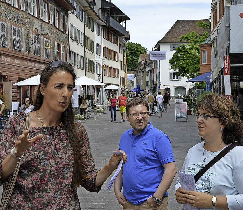 Kathrin Schöb (links) führte zum Rathausturm.    Foto: Horatio Gollin
