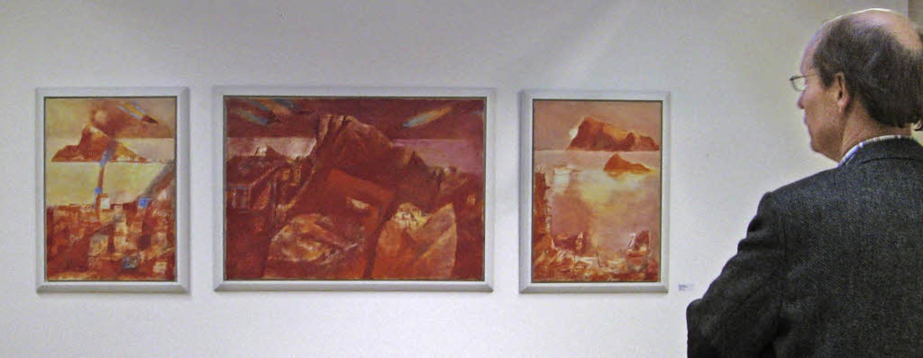 """Das Triptychon """"Patmos"""" un...in der Ausstellung in Bernau zu sehen.    Foto: Ulrike Spiegelhalter"""
