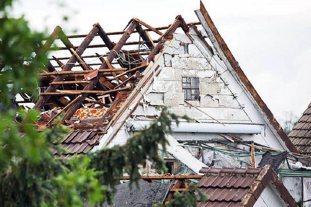 Tornado deckt in Minden ganze Dächer ab