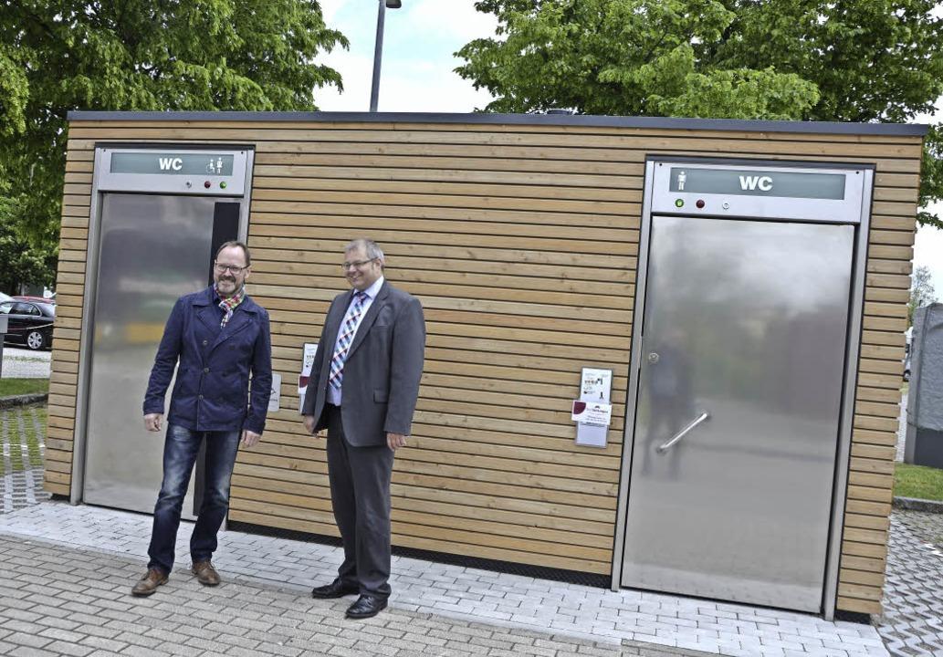 Chefsache war in Bad Säckingen die Erö..., rechts Bürgermeister Alexander Guhl   | Foto: Axel Kremp