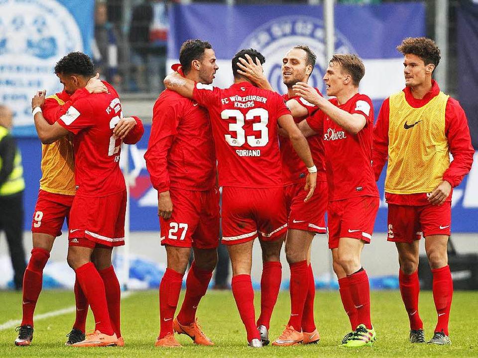 Siegreich in der Relegation: Würzburger Kickers    Foto: dpa
