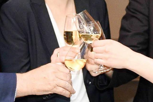 Der Basler Staatswein vom Isteiner Kirchberg wird mit der Kutsche gebracht