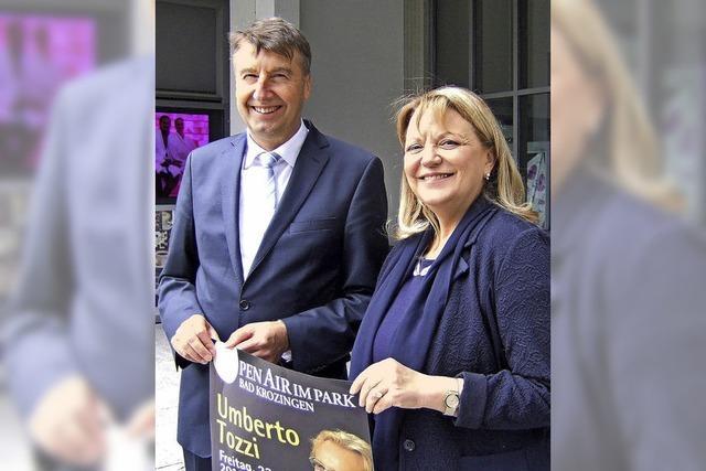 Konsulin wirbt für Umberto-Tozzi-Konzert