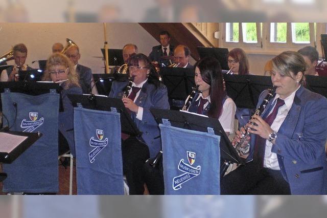 Neuenwegs Musiker spielen die vorerst letzten Oktaven