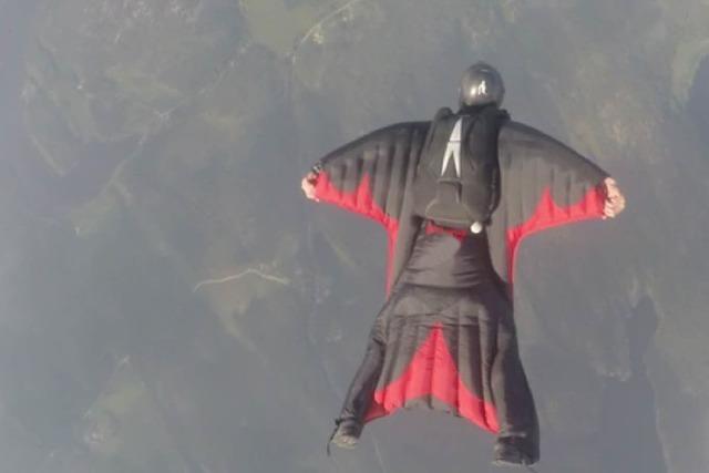 Flugplatz Bremgarten: Wingsuit-Springer kollidierten vor dem Sturz