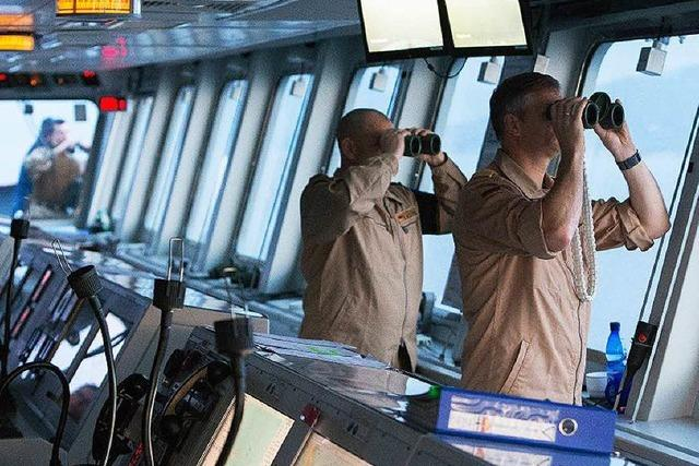 Die Jagd der Marine nach Schleusern auf hoher See