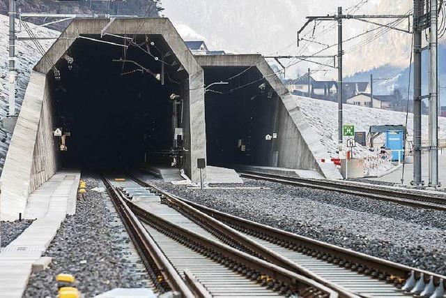 Gotthard: Schweiz feiert den längsten Eisenbahntunnel der Welt
