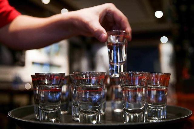 Alkohol an Jugendliche: Testkäufe zeigen Wirkung – auf Zeit